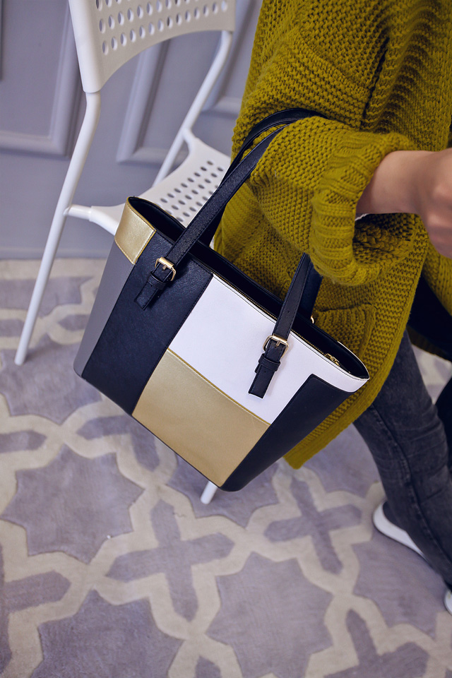 B1761 IDR.175.000 MATERIAL PU SIZE L30XH28XW12CM WEIGHT 750GR COLOR GOLD