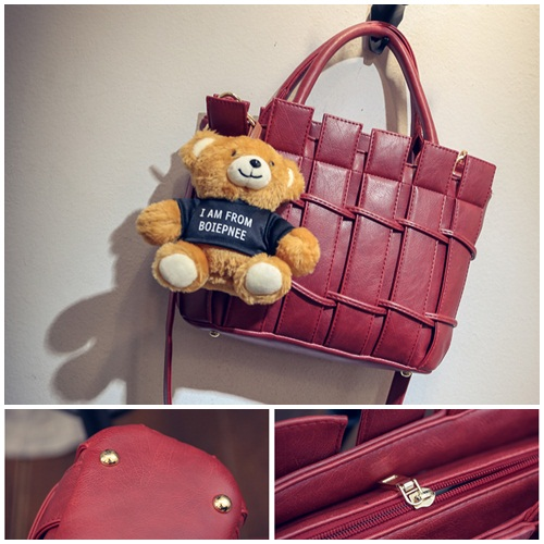 B1764 IDR.208.000 MATERIAL PU SIZE L28XH21XW10CM WEIGHT 850GR COLOR REDB1764 IDR.208.000 MATERIAL PU SIZE L28XH21XW10CM WEIGHT 850GR COLOR RED