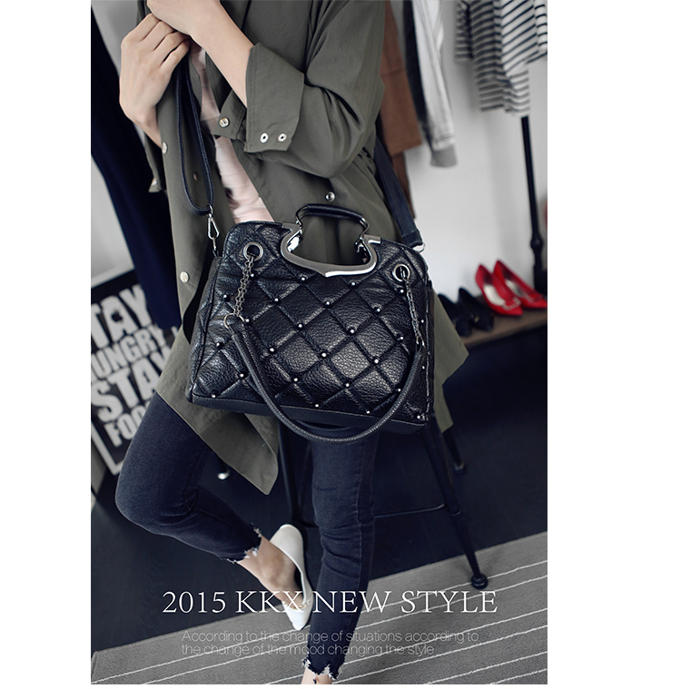 B1766 IDR.206.000 MATERIAL PU SIZE L33XH25XW11CM WEIGHT 850GR COLOR BLACK