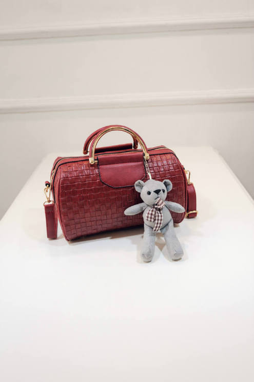 B1849 IDR.182.000 MATERIAL PU SIZE L26XH18XW15CM WEIGHT 650GR COLOR RED
