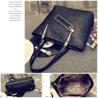 B1850-IDR-178-000-MATERIAL-PU-SIZE-L34XH31XW13CM-WEIGHT-750GR-COLOR-BLACK.jpg