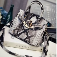 B1869 MATERIAL PU SIZE L24XH16XW13CM WEIGHT 750GR COLOR BLACK