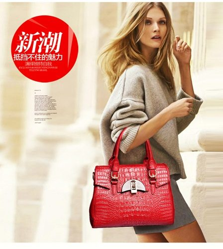 B1905 IDR.221.000 MATERIAL PU SIZE L32XH23XW15CM WEIGHT 1000GR COLOR RED