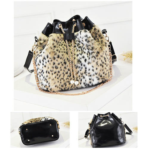 B1924 IDR.157.000 MATERIAL PU SIZE L36XH28X15CM WEIGHT 600GR COLOR LEOPARD
