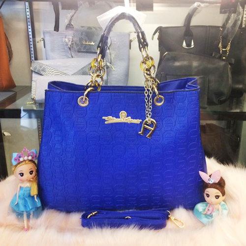 B2050 IDR.205.000 MATERIAL PU SIZE L38XH30XW14CM WEIGHT 1100GR COLOR BLUE