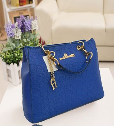 B2050 IDR.222.000 MATERIAL PU SIZE L38XH30XW14CM WEIGHT 1100GR COLOR BLUE