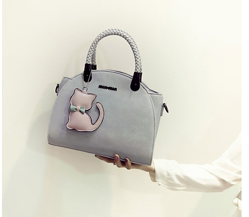 B2051 IDR.186.000 MATERIAL PU SIZE L29XH20XW16CM WEIGHT 850GR COLOR BLUE