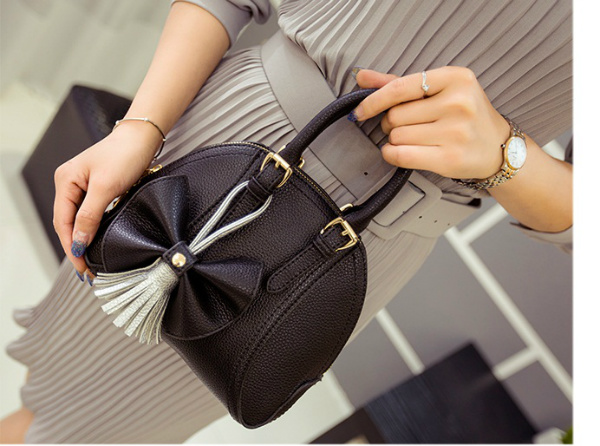B2127 IDR.161.000 MATERIAL PU SIZE L22XH18XW12CM WEIGHT 650GR COLOR BLACK