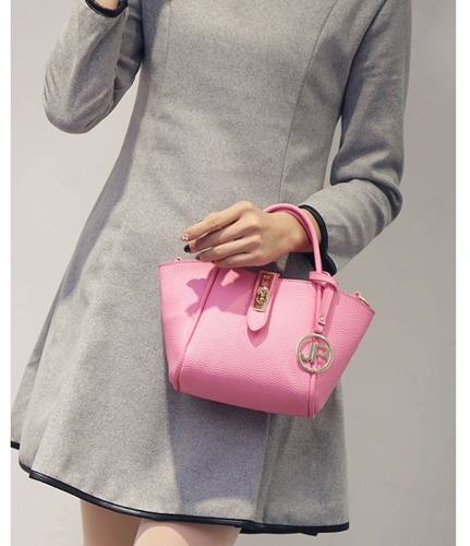 B2138 IDR.166.000 MATERIAL PU SIZE L17XH15XW12CM WEIGHT 600GR COLOR PINK.jpg