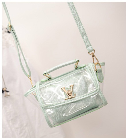 B2166 IDR.152.000 MATERIAL PU SIZE L19XH16XW10CM WEIGHT 600GR COLOR GREEN