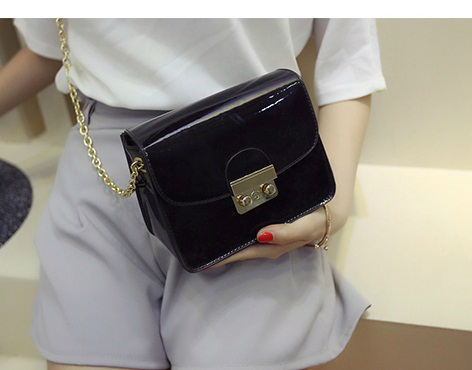 B2171 IDR.152.000 MATERIAL PU SIZE L17XH14XW8CM WEIGHT 500GR COLOR BLACK