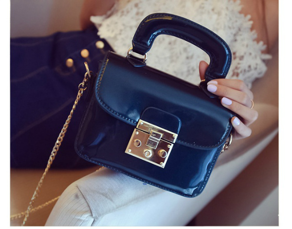 B2190 IDR.162.000 MATERIAL PU SIZE L18XH14XW7CM WEIGHT 550GR COLOR BLACK