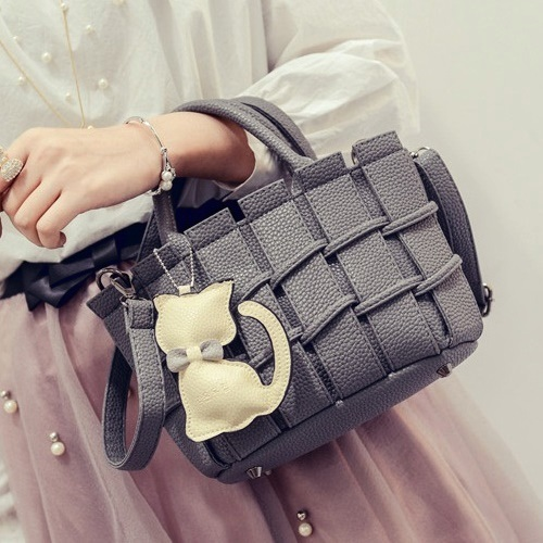 B2202 MATERIAL PU SIZE L22XH16XW10CM WEIGHT 600GR COLOR GRAY