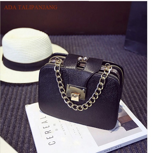 B22400 IDR.165.000 MATERIAL PU SIZE L21XH15XW8CM WEIGHT 600GR COLOR BLACK