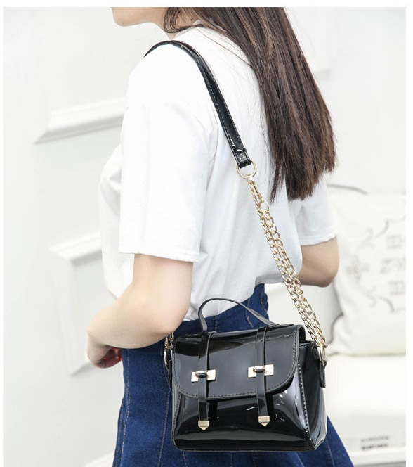 B2259 IDR.151.000 MATERIAL PU SIZE L19XH16XW9CM WEIGHT 500GR COLOR BLACK