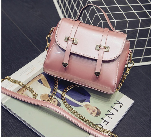 B2259 IDR.151.000 MATERIAL PU SIZE L19XH16XW9CM WEIGHT 500GR COLOR PINK