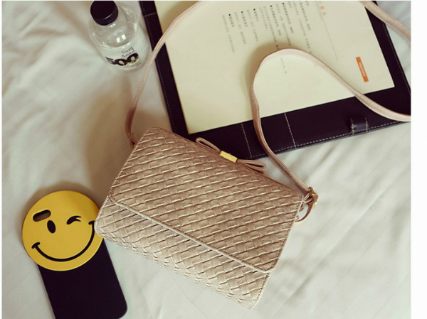 B2287 IDR.152.000 MATERIAL PU SIZE L20XH15XW8CM WEIGHT 550GR COLOR PINK
