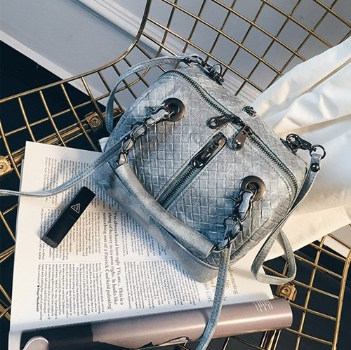 B2328 MATERIAL PU SIZE L21XH16XW16CM WEIGHT 700GR COLOR GRAY