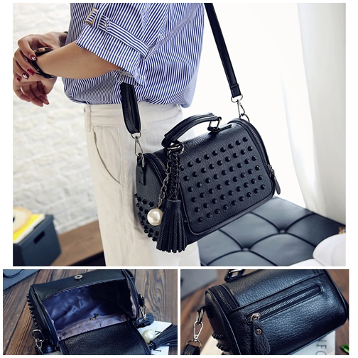 B2407 IDR.172.000 MATERIAL PU SIZE L21XH23XW11CM WEIGHT 650GR COLOR BLACK