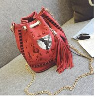 B2450 MATERIAL PU SIZE L20XH22XW14CM WEIGHT 600GR COLOR RED