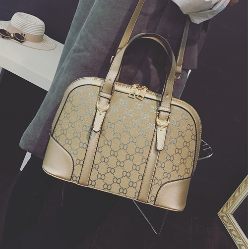 B2473 IDR.196.000 MATERIAL PU SIZE L30XH22XW14CM WEIGHT 800GR COLOR ASPHOTO