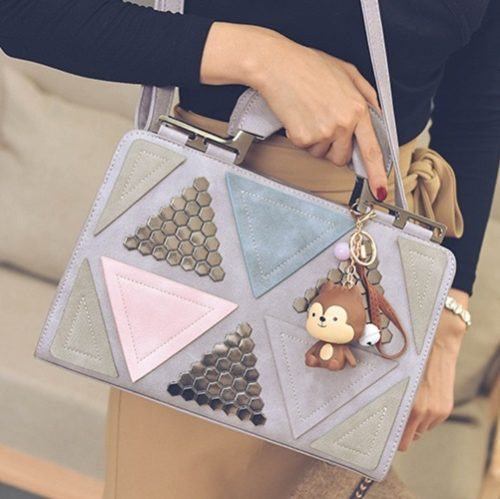 B2505 MATERIAL PU SIZE L31XH21XW11CM WEIGHT 850GR COLOR PURPLE