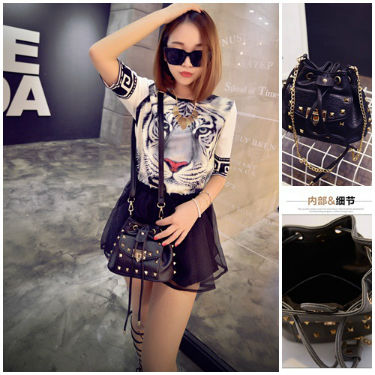 B2701 IDR.162.000 MATERIAL PU SIZE L20XH17XW20CM WEIGHT 500GR COLOR BLACK