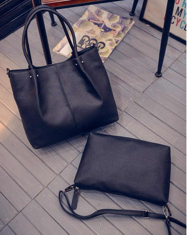 B27128 (2in1) IDR.195.000 MATERIAL PU SIZE L36XH31XW12CM WEIGHT 1000GR COLOR BLACK