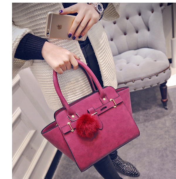 B27178 IDR.179.000 MATERIAL PU SIZE L27-33XH23XW15CM WEIGHT 800GR COLOR RED