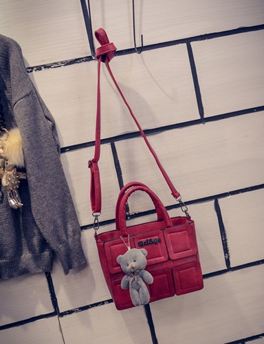 B27190 IDR.162.000 MATERIAL PU SIZE L21XH16XW11CM WEIGHT 600GR COLOR RED
