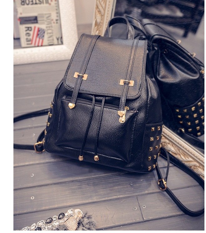 B27328A IDR.155.000 MATERIAL PU SIZE L27XH30XW13CM WEIGHT 800GR COLOR BLACK