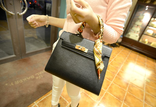 B2738 IDR.182.000 MATERIAL PU SIZE L27XH21XW11CM WEIGHT 750GR COLOR BLACK
