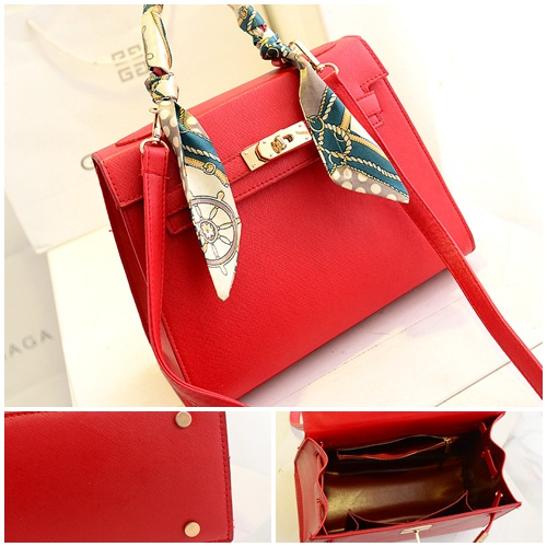 B2738 IDR.182.000 MATERIAL PU SIZE L27XH21XW11CM WEIGHT 750GR COLOR RED