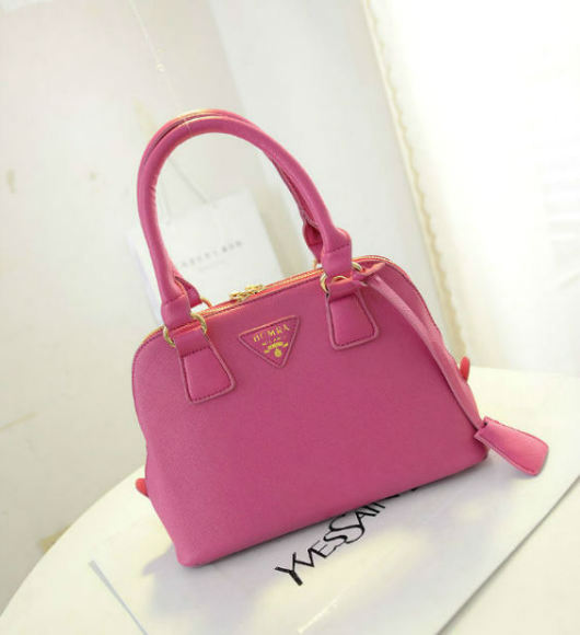 B2744 IDR.152.000 MATERIAL PU SIZE L23XH18XW8CM WEIGHT 600GR COLOR ROSE