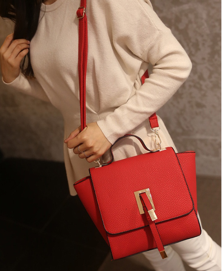 B2746 IDR.163.000 MATERIAL PU SIZE L20-30XH19CMXW13CM WEIGHT 600GR COLOR RED