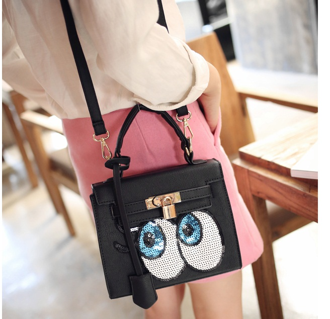 B27591 IDR.175.000 MATERIAL PU SIZE L22XH19XW9CM WEIGHT 800GR COLOR BLACK