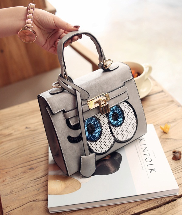 B27591 IDR.175.000 MATERIAL PU SIZE L22XH19XW9CM WEIGHT 800GR COLOR GRAY