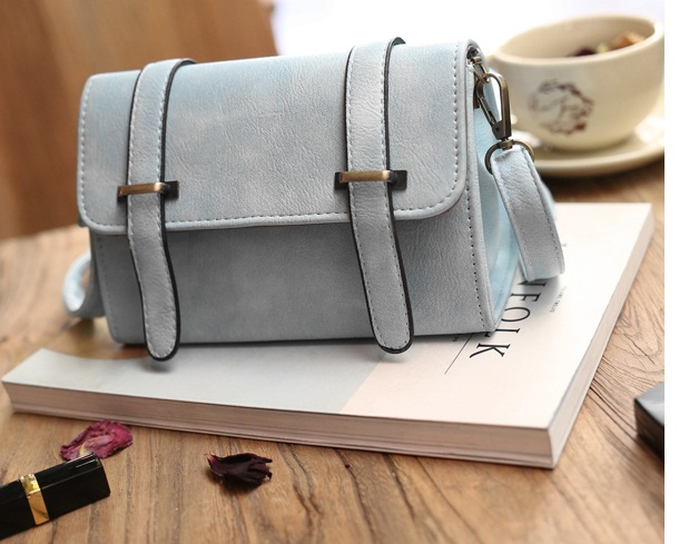 B27605 IDR.135.000 MATERIAL PU SIZE L19XH13XW8CM WEIGHT 450GR COLOR BLUE.jpg