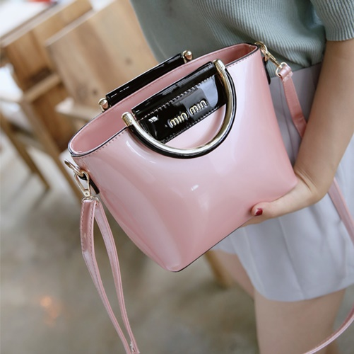 B27623 IDR.165.000 MATERIAL PU SIZE L21XH11XW20CM WEIGHT 550GR COLOR PINK