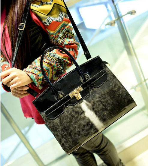 B2815 IDR.198.OOO MATERIAL PU SIZE L32XH26XW11CM WEIGHT 800GR COLOR GRAY.jpg
