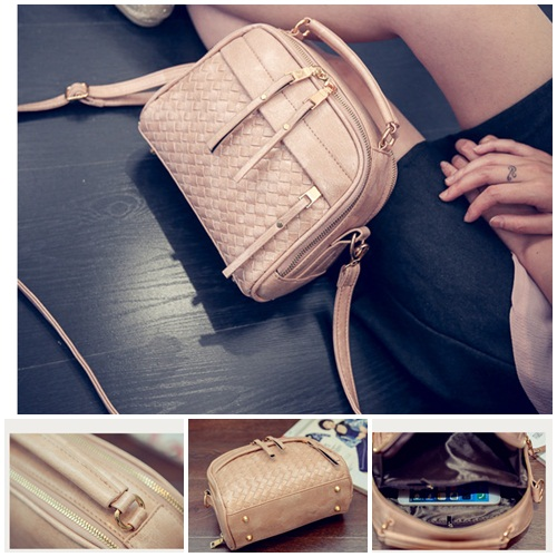 B28209 IDR.170.000 MATERIAL PU SIZE L22XH18XW7CM WEIGHT 600GR COLOR PINK