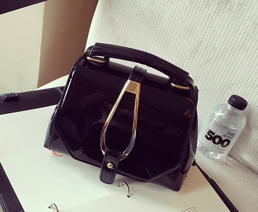 B28460 IDR.163.000 MATERIAL PU SIZE L20XH15XW12CM WEIGHT 600GR COLOR BLACK
