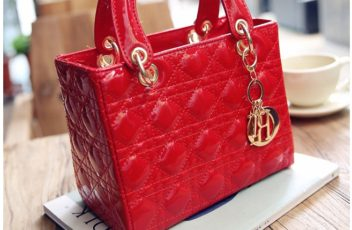 B28615 IDR.160.000 MATERIAL PU SIZE L24XH21XW11CM WEIGHT 650GR COLOR RED