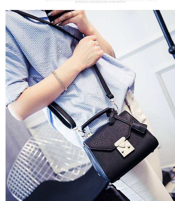 B28882 IDR.160.000 MATERIAL PU SIZE L18XH14XW11CM WEIGHT 650GR COLOR BLACK