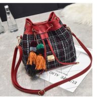 B29851 MATERIAL CLOTH SIZE L25XH24XW12CM WEIGHT 600GR COLOR RED