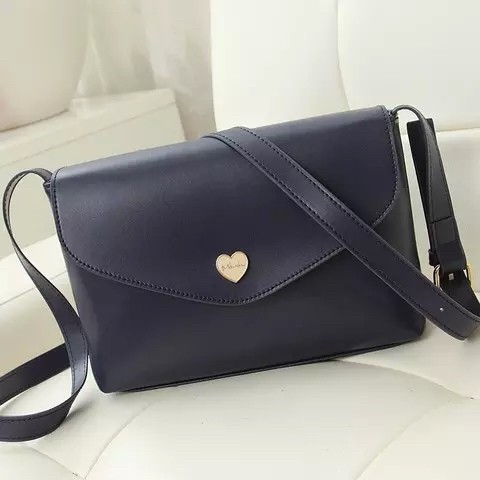 B3029 IDR.135.000 MATERIAL PU SIZE L22XH16XW6CM WEIGHT 400GR COLOR BLUE