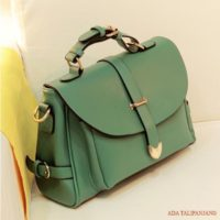 B306 IDR.155.000 MATERIAL PU SIZE L33XH23XW9CM WEIGHT 800GR COLOR GREEN