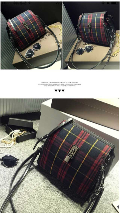 B3088 IDR.198.000 MATERIAL CANVAS SIZE L25XH26XW15CM WEIGHT 700GR COLOR RED