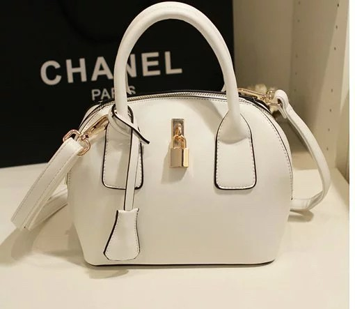 B309 IDR.188.000 MATERIAL PU SIZE L22XH21XW13CM WEIGHT 700GR COLOR BEIGE.jpg