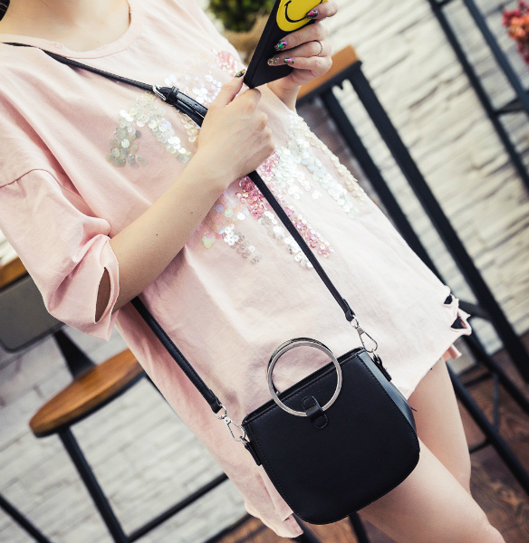 B3531 IDR.149.000 MATERIAL PU SIZE L16XH15XW8CM WEIGHT 500GR COLOR BLACK